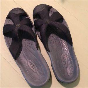 EUC Keens Sandals Size 9.5